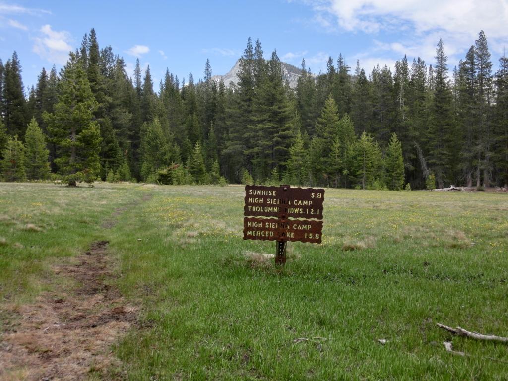 ヨセミテ国立公園サンライズの道標