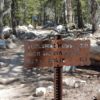 ヨセミテ国立公園 トゥラミメドウズの道標